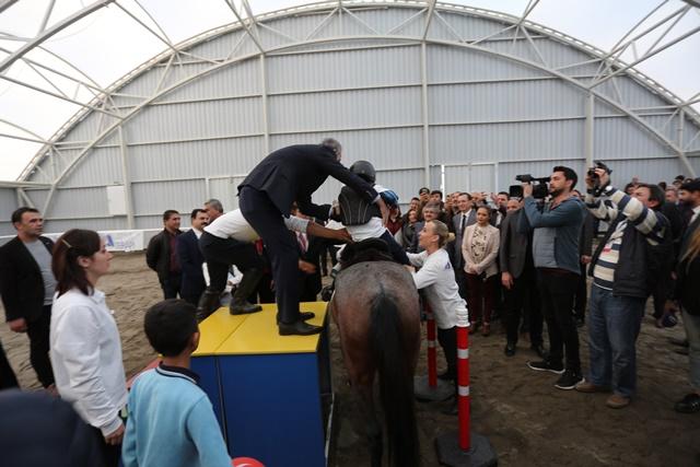 Şanlıurfa'da Engelli Öğrenciler Atla Terapiyle Tanıştılar