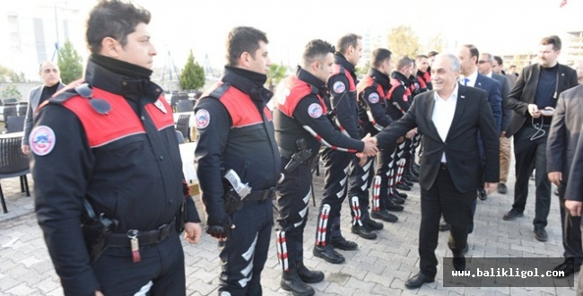Bakan Fakıbaba Urfa'da Polis Timleri Amirliğini ziyaret etti