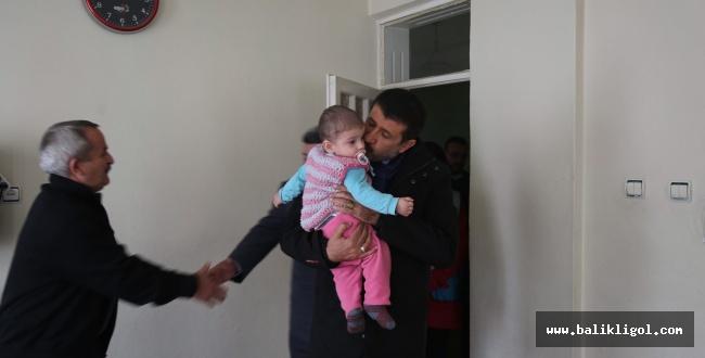 Mehmet Ekinci kapı kapı dolaşıp vatandaşların sorunlarını yerinde dinliyor