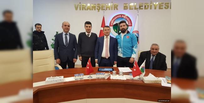 Milli halterci İbrahim Arat Viranşehir'i olimpiyatlarda temsil etmek istiyor