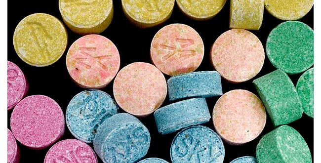 Şanlıurfa'da uyuşturucu hap ve esrar ele geçirildi