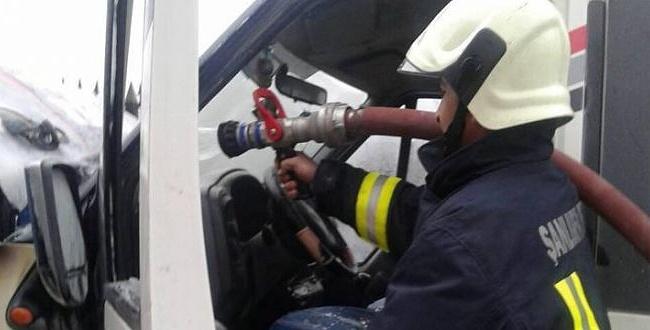 Urfa'da araç yangını kısa sürede kontrol altına alındı
