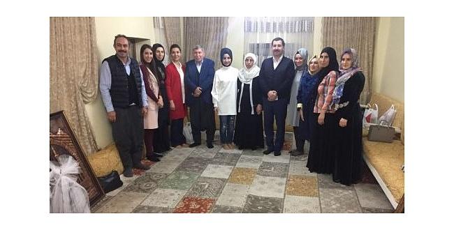 Başkan Baydilli, Binali Yıldırım'ın ailesini Urfa'da ağırladı
