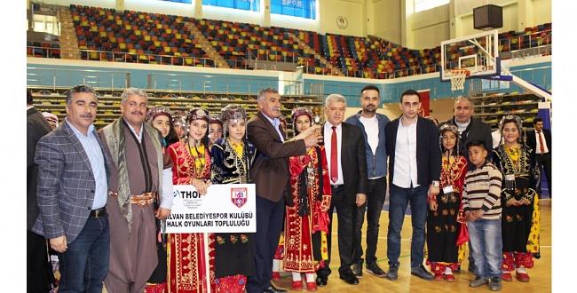 Hilvan Halk Oyunları Topluluğu, yarışmada ödülle döndü