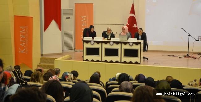 HRÜ'de Kadınlar Günü Paneli Yapıldı