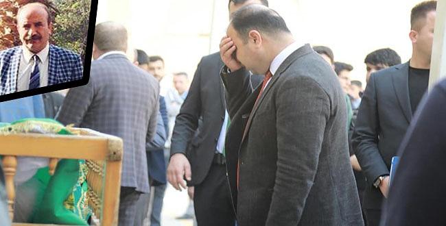 Şanlıurfa Büyükşehir Belediye Başkanı Nihat Çiftçi, tabutun başında gözyaşlarını tutamadı