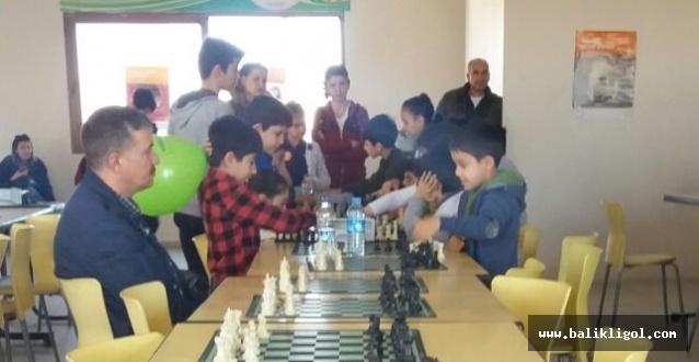 Şanlıurfa Yeşilay Tarafından satranç turnuvası düzenlendi
