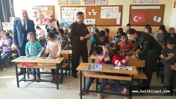 Urfa'da Jandarma'dan miniklere trafik eğitimi