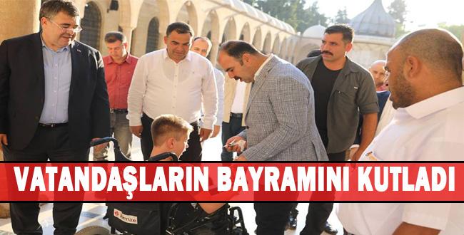 Başkan Çiftçi, Bayram Namazını Dergah Camiinde Kıldı