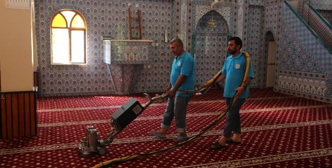 Haliliye Belediyesi Camileri bayrama hazırlıyor