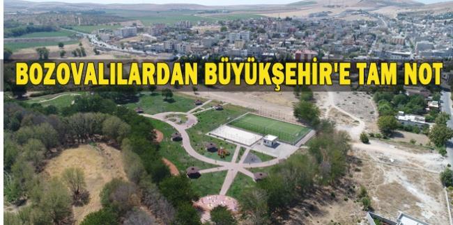 Bozova Kent Parkı vatandaşlardan yoğun ilgi görüyor