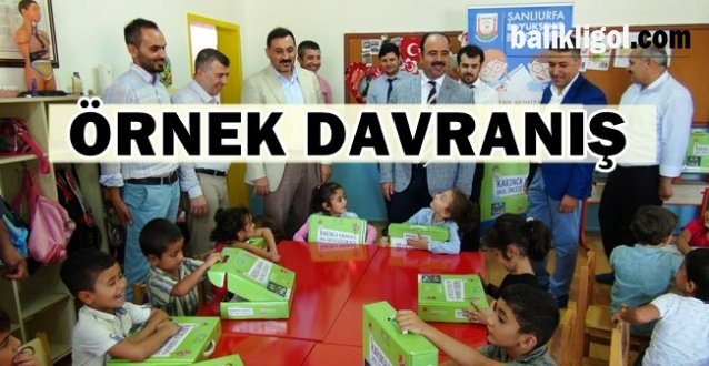Şanlıurfa Büyükşehir Öğrencilere Kırtasiye Seti Dağıttı