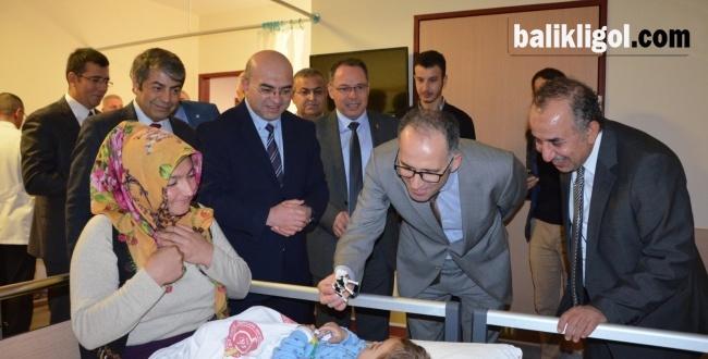Başsavcı Vekili Ünal'dan Hasta Çocuklara ziyaret