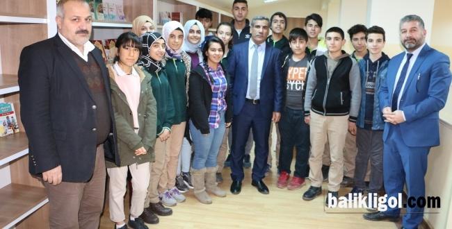 Büyükşehir'den Zeytin Dalı Anadolu Lisesi'ne Kitap Desteği