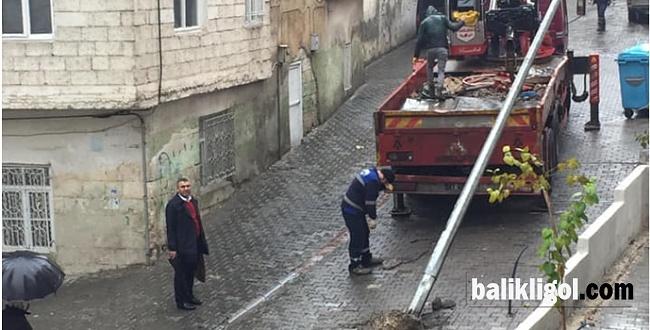 Sokak ortasındaki direk kaldırıldı