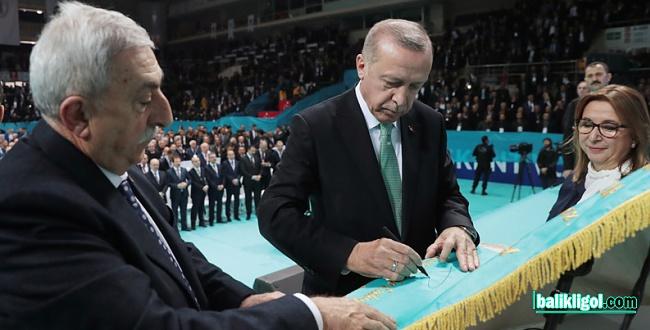 Erdoğan: Esnafımızın ekmeğiyle oynayanlara derslerini veriyoruz