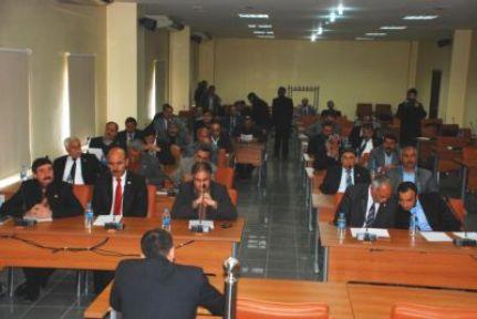 Özel İdare toplantısında rapor tartışması yaşandı
