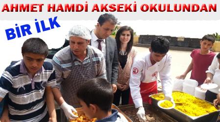 Ahmet Hamdi Akseki Okulunda Kutlu Doğum Haftası ziyafeti VİDEO