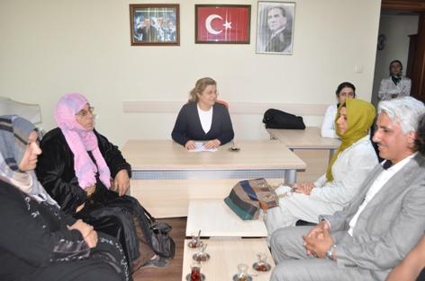 Aysel Göncü, Suriyeli kadınları kabul etti