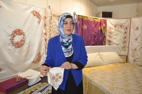 Kadınlardan el işi sanatları ve ebru sergisi