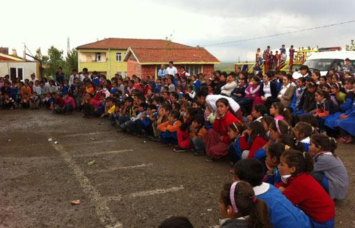 Köy Okulunda Şenlik Düzenlediler