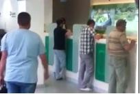 Şanlıurfa'da halk bankalardan paralarını çekiyor