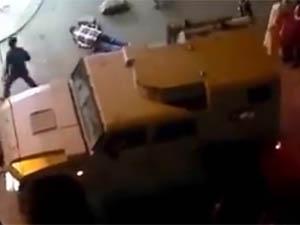 Mısır'da Asker Göstericiye Ateş Etti VİDEO