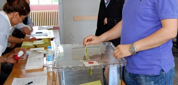 Son seçim anketinde partilerin oy oranları