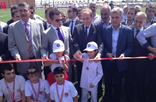Bakan Kılıç, Hilvan'da spor tesisi açtı VİDEO