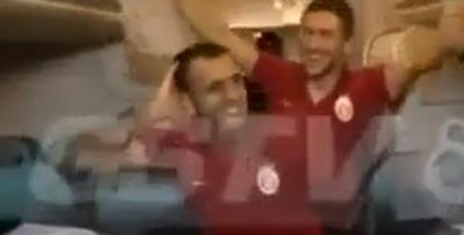 Sabri Reyiz'in kupa halayı VİDEO