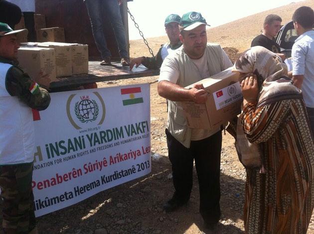 İHH, Rojava'dan Irak Kürdistanı'na sığınan Kürtlere yardım etti