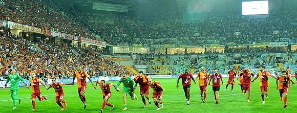 Galatasaray'ın UEFA Şampiyonlar Ligi Rakipleri Belirlendi