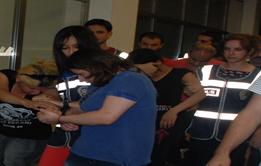 Esed'ten kaçtılar Şanlıurfa'da fuhuşta yakalandılar VİDEO