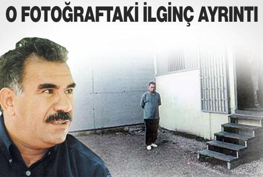 Öcalan fotoğrafındaki ilginç ayrıntı