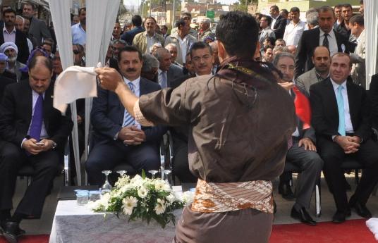 Bakan Çelik ve Milletvekilleri Hilvan'da gövde gösterisi yaptılar VİDEO