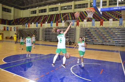 Harranlı kızlar ilk maçına hazırlanıyor