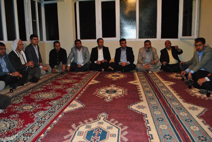 AK Parti Eyyübiye teşkilatı muhtarları dinledi