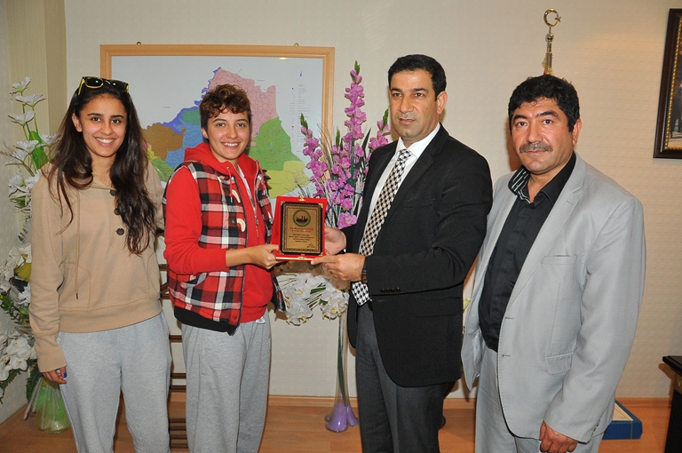 Mustafa Yavuz'dan Bayan basketçilere destek VİDEO