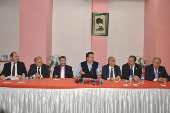 Bakan Çelik, basın toplantısında başkan adayı mesajı verdi VİDEO