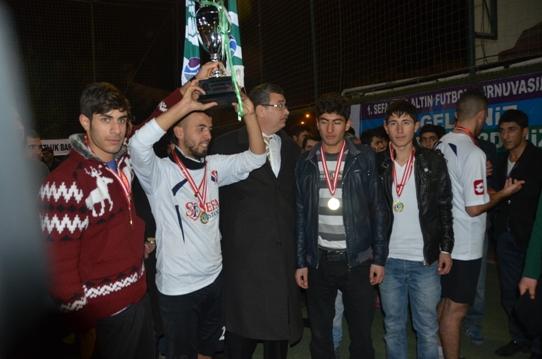 1. Sefaspor Altın Futbol Turnuvasında Şampiyona altın verildi VİDEO