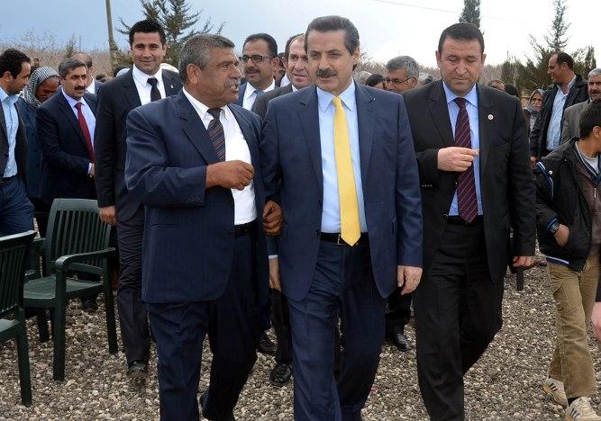 Bakan Çelik Köy köy Dolaşıyor