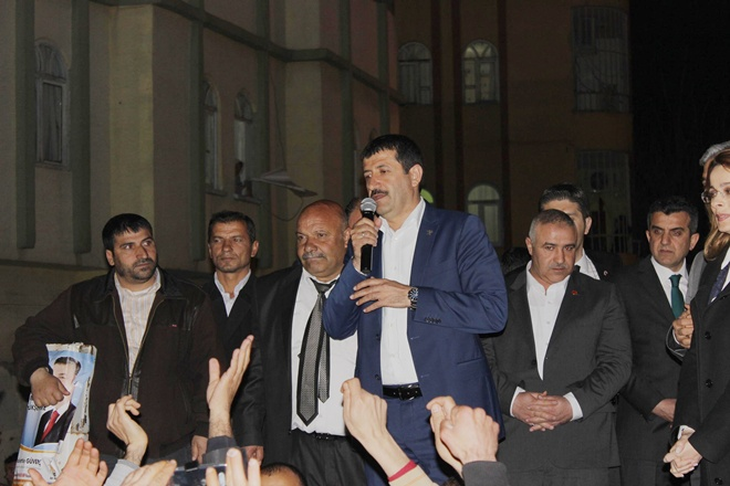 Seçim Bürosu Açılışında Gövde Gösterisi