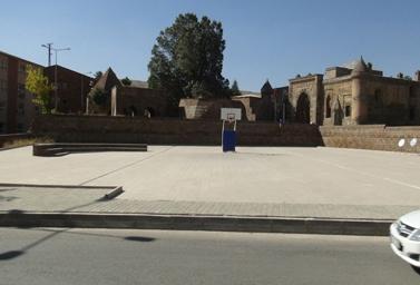 Bitlis'te 8 asırlık medrese İhlasiye Medresesi...