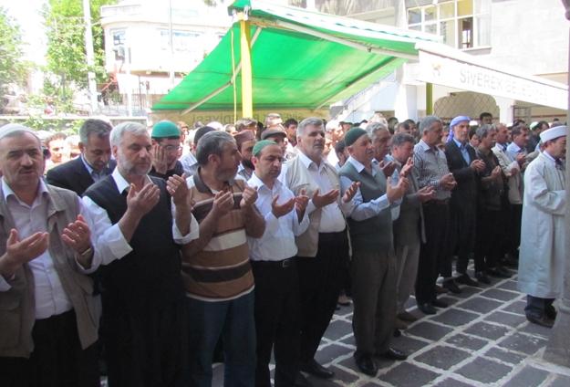 Somalı madenciler için gıyabı cenaze namazı kılındı