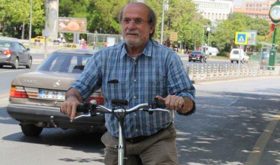 Ertuğrul Kürkçü'nün makam aracı bir bisiklet