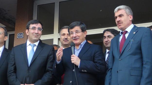Davutoğlu Solhanlılara zazaca jest yaptı