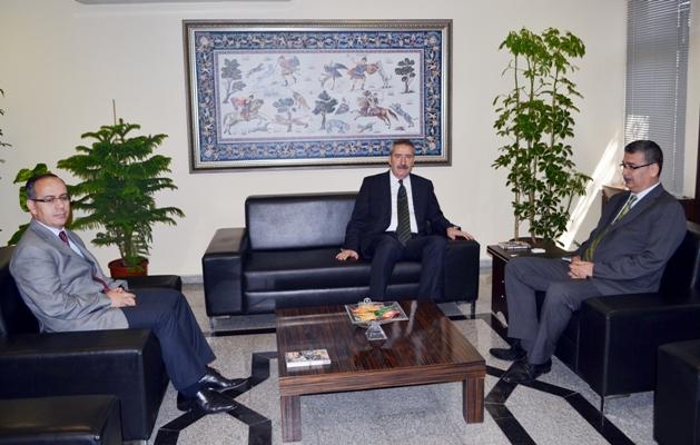 Vali Kıraç, Başkan Güvenç'i Makamında Ziyaret Etti