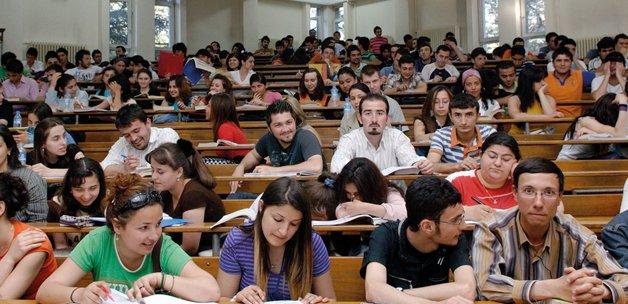 Üniversiteyi uzatanlara kötü haber