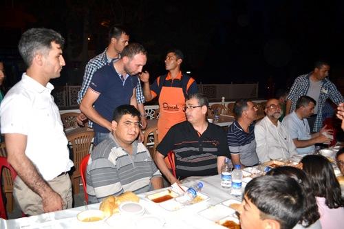 Urfa'da ilk toplu iftar Rabia Meydanında VİDEO