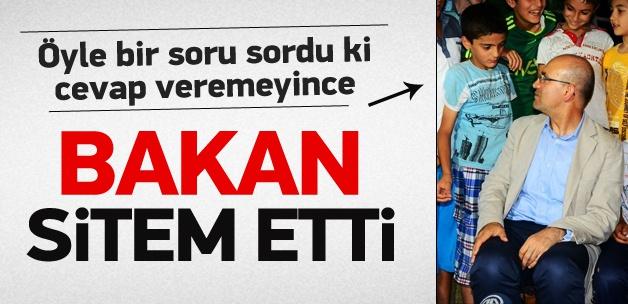 Bakan Şimşek'ten İngilizce imtihanı